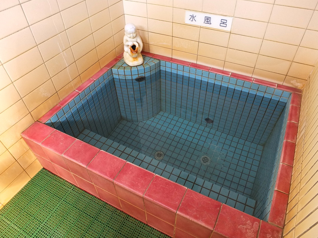 日比津温泉の施設の様子