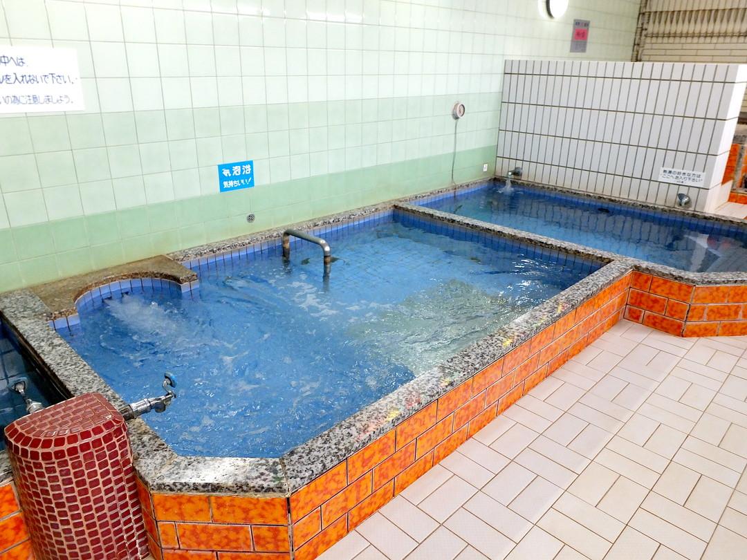 八幡温泉の施設の様子