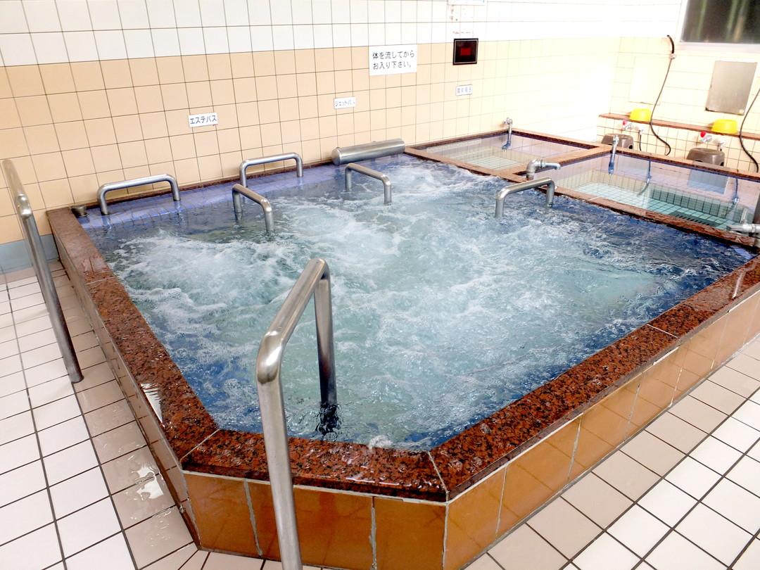 永徳温泉の施設の様子